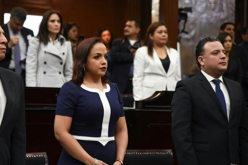 Los diputados de Morelia Andrea Villanueva y Carlos Quintana, reiteraron la urgencia de aprobar para la entidad un modelo policíaco cercano a los ciudadanos