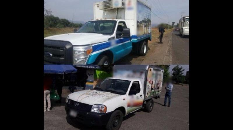 Se trata de dos camionetas marca Nissan, línea Estaquitas NP-300, color blanco, y una marca Ford, tipo redilas, color blanco, que fueron puestos a disposición de la autoridad correspondiente