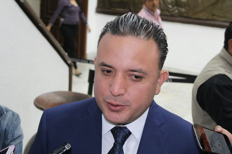 Quintana Martínez recalcó que los bomberos municipales no reciben ingresos justos y tampoco cuentan con el equipo y el equipamiento que requieren para su labor