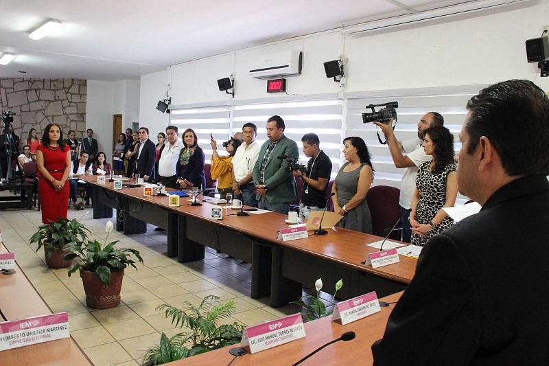"""""""En el caso de Michoacán, el IEM cuenta aproximadamente con 15 plazas adscritas y reguladas bajo este procedimiento. El de hoy se trata del primer nombramiento que se hace y aprueba por parte del Consejo General"""""""