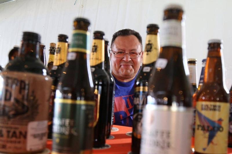 """Edgar Mercado enfatizó que estos eventos promueven la """"cerveculturización"""", que se traduce como el impulso de una nueva cultura cervecera que promueve el conocimiento y la degustación de lo mejor de los productos cerveceros de Michoacán, del país y el mundo"""