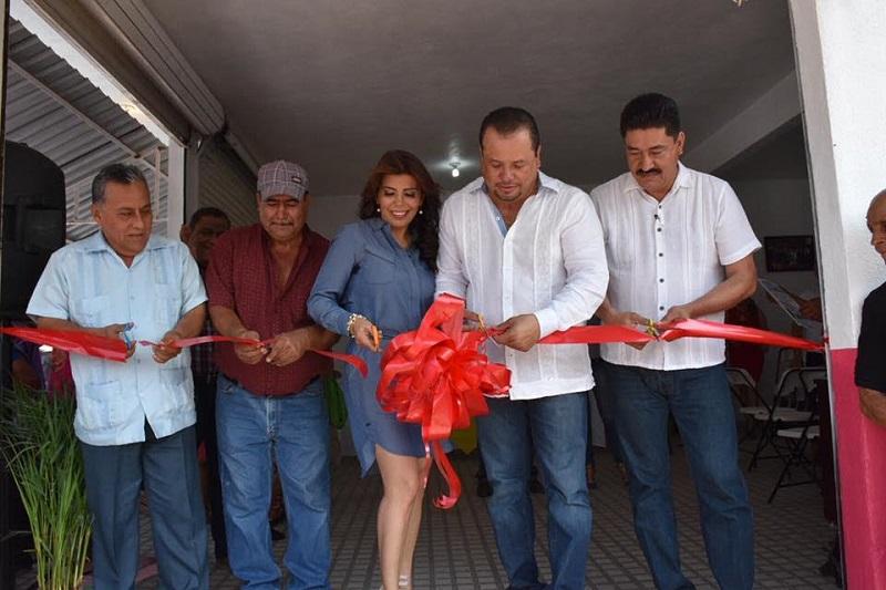 Juan Figueroa añadió que desde el Congreso del Estado, la bancada del PRD seguirá trabajando para impulsar el desarrollo de la región de la Tierra Caliente