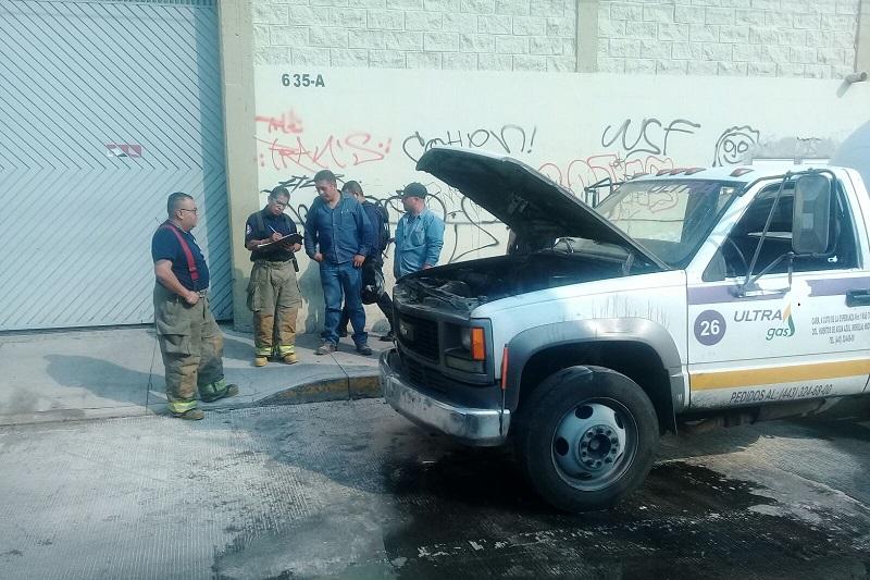 Aparentemente, el incendio se derivó de una falla mecánica (FOTO: FRANCISCO ALBERTO SOTOMAYOR)