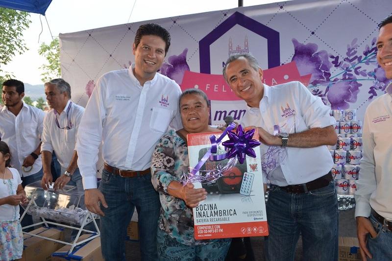 Martínez Alcázar dijo que estos proyectos corresponden a las más sentidas peticiones por parte de los habitantes de Villas del Pedregal que fueron expresadas en campaña