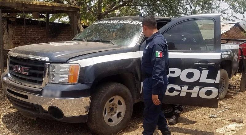 Al inspeccionar los antecedentes de las dos camionetas los uniformados detectaron que contaban con reporte de robo, por lo que fueron puestas a disposición de la autoridad correspondiente