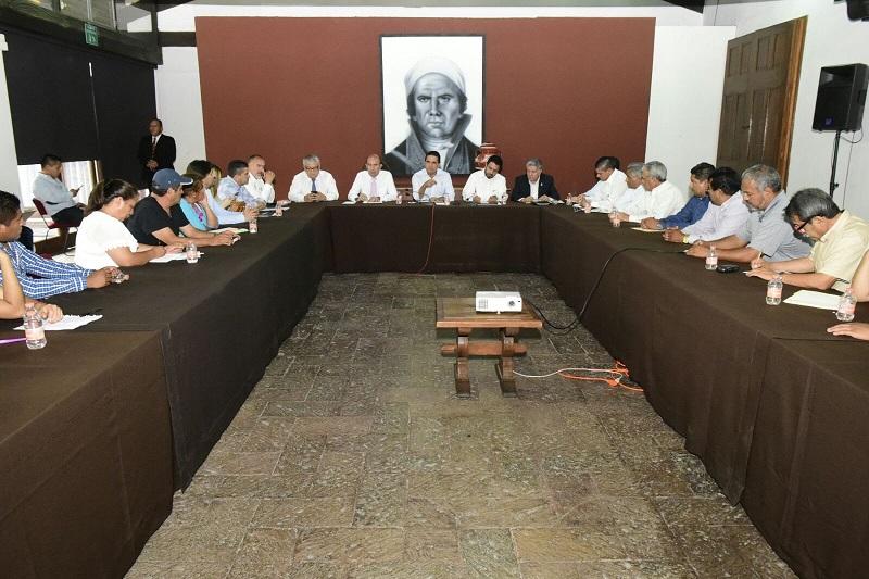 Aureoles Conejo dejó en claro que al igual como sucede con Antorcha Campesina, existe una buena relación con ésta y con el resto de las organizaciones sociales del estado, para juntos caminar en la conformación de mejores condiciones de vida para las y los habitantes de Michoacán