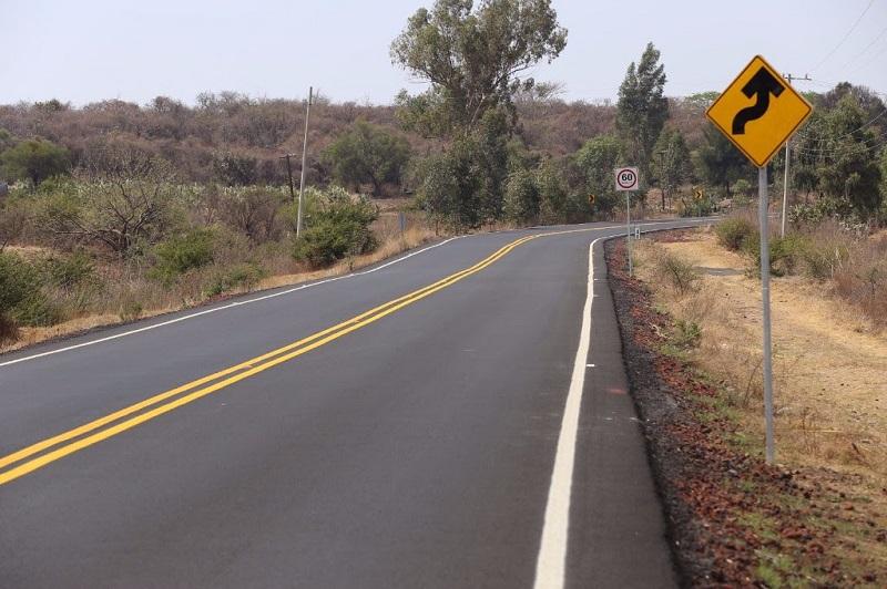Las carreteras en buen estado permiten el traslado y seguro de personas y mercancías, y coadyuvan a fortalecer el desarrollo económico de las regiones al impulsar la comercialización de sus productos