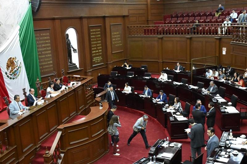 La comisión dictaminadora concluyó que la Iniciativa no modifica los principios para la integración de la Legislatura del Estado, que son mayoría relativa y representación proporcional, éste último sobre la materia de la propuesta