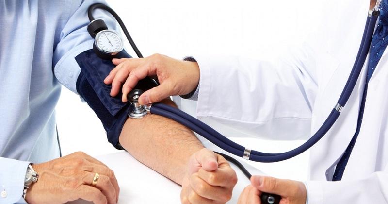 Hablando de números, en Michoacán, conforme datos delegacionales, una media de 90 pacientes hipertensos son atendidos en el IMSS, lo que arroja una cifra final de un poco más de 4 mil atenciones por hipertensión arterial al en un año