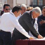 """""""Es un hecho ampliamente probado que las alianzas con el PAN y el PRI han debilitado al PRD y propiciado la salida de miles de militantes"""", argumentó Calderón Torreblanca,"""