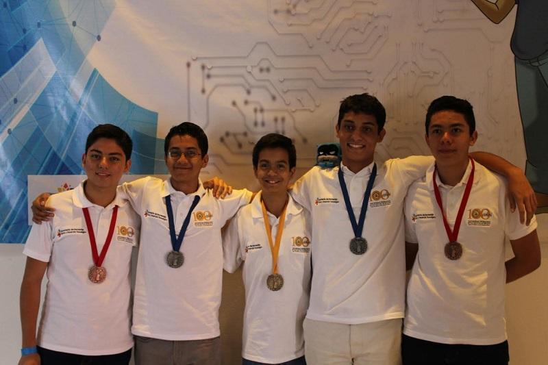 El selectivo michoacano estuvo conformado por cuatro estudiantes de nivel bachillerato y uno de primaria