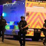"""Según informó hoy el diario británico """"The Guardian"""", la Policía de Manchester ha desplegado agentes en torno a la mezquita Didsbury, en el sur de esa ciudad, adonde acudían al parecer el terrorista suicida y algunos de sus familiares"""