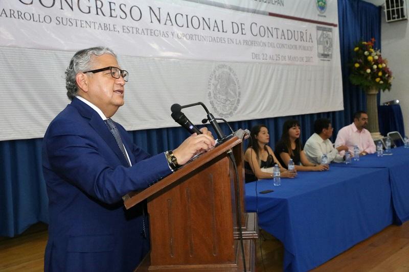 Maldonado Mendoza compartió la importancia de mejorar los ingresos propios del estado de la mano de los municipios, en la búsqueda de encontrar el fortalecimiento de la recaudación de impuestos