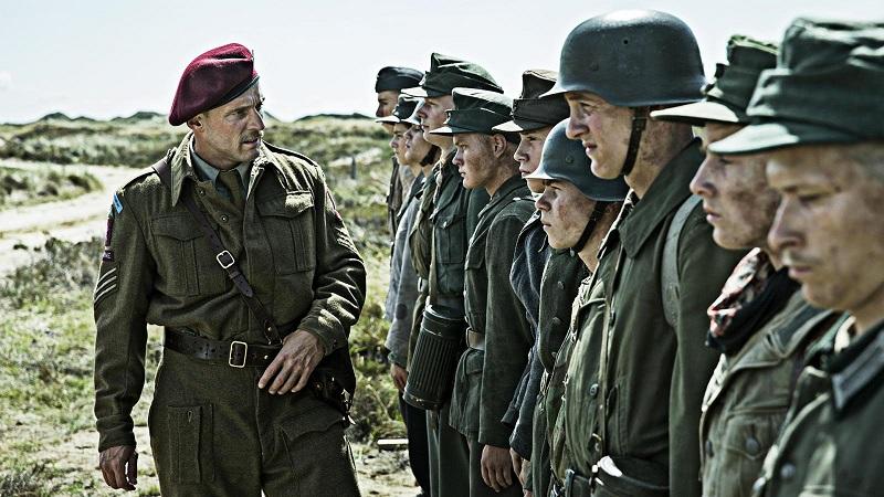 Es un drama sobrio, ciertamente convencional y previsible, que tiende a la conciliación más que al conflicto, pero está representado con la fuerza y precisión características del cine danés de exportación