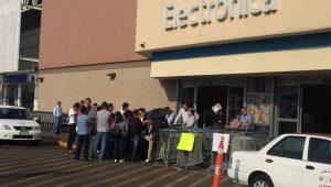 Trabajadores de Walmart resaltaron que en los próximos días anunciarán las medidas de presión que llevarán a cabo toda vez que el movimiento es a nivel nacional y que no pararán hasta que los salarios, las jornadas de trabajo y el reparto de utilidades, sean justos para todos