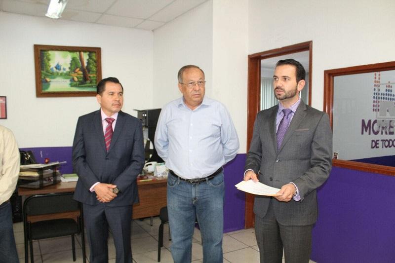 José Luis Gil Vázquez, secretario de Servicios Públicos, se dirigió al nuevo funcionario, para darle la bienvenida y externarle su respaldo