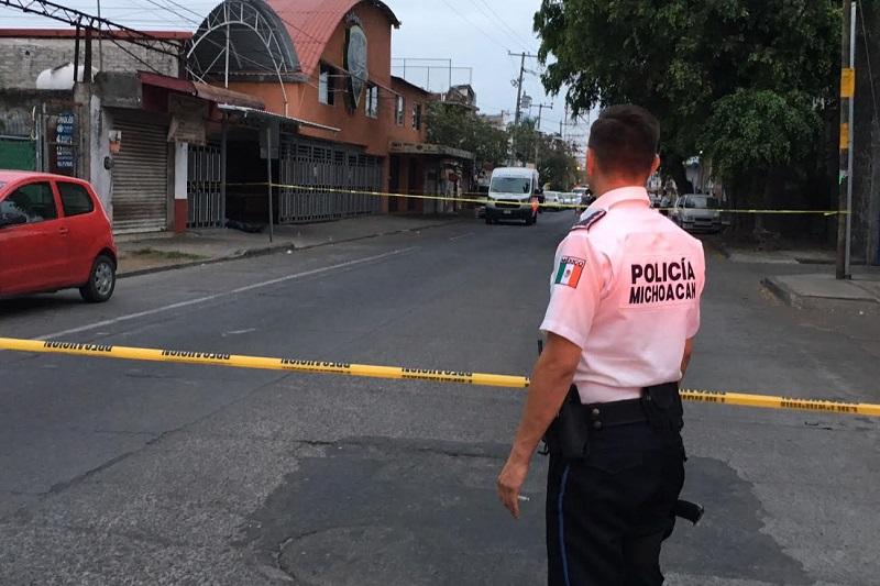 La persona fallecida fue trasladada al Servicio Médico Forense, mientras que el detenido fue trasladado ante la Fiscalía Regional para continuar con la carpeta de investigación