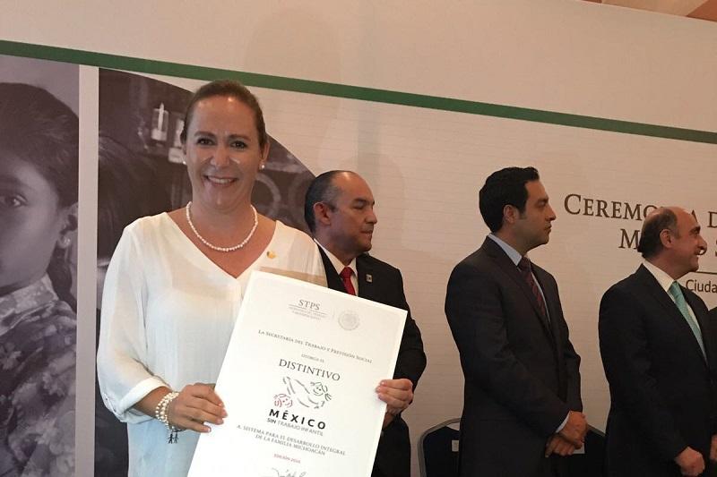 Fue recibido por la directora general del sistema DIF Michoacán, Rocío Beamonte Romero