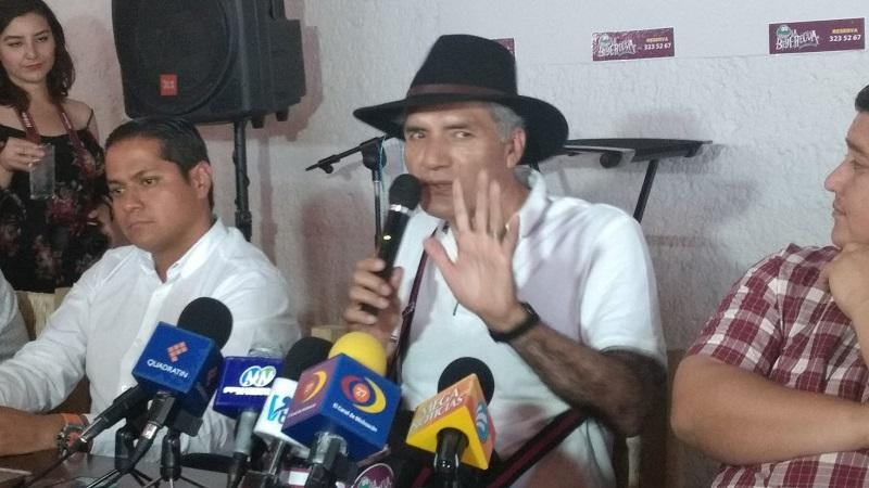 Para José Manuel Mireles, las autoridades no combatieron a la delincuencia porque también obtienen beneficios de ella (FOTO: ALEJANDRA ORTEGA)