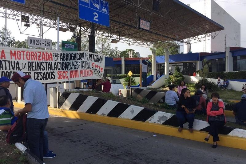 Cnte secuestra casetas de peaje en michoac n a tiempo - Tiempo en casetas zaragoza ...
