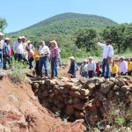 Los trabajos, que iniciaron en 2012, consistieron en cabeceo de cárcavas, presas de piedra acomodada, terrazas individuales, 3.5 kilómetros de cercado, 3.5 kilómetros brechas corta fuego, reforestación y mantenimiento de la reforestación