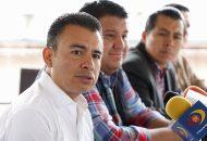 Calderón Torreblanca ofreció una rueda de prensa acompañado por el diputado local, Juan Pablo Puebla, y la secretaria de Derechos Humanos del CEE del PRD, Bárbara Ramírez