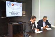 Encabezaron la firma del convenio Daniel Juan Pineda, director del CCM, y Alejandro Bustos Aguilar, director del COBAEM
