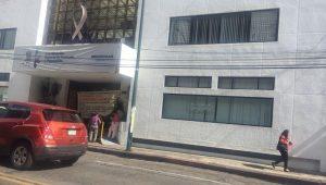 De acuerdo con los manifestantes, quienes no entorpecieron el tránsito vehicular sobre la Avenida Lázaro Cárdenas, actualmente se encuentran en quiebra económica, pues las autoridades federales y estatales no les han pagado las contingencias de mar de fondo