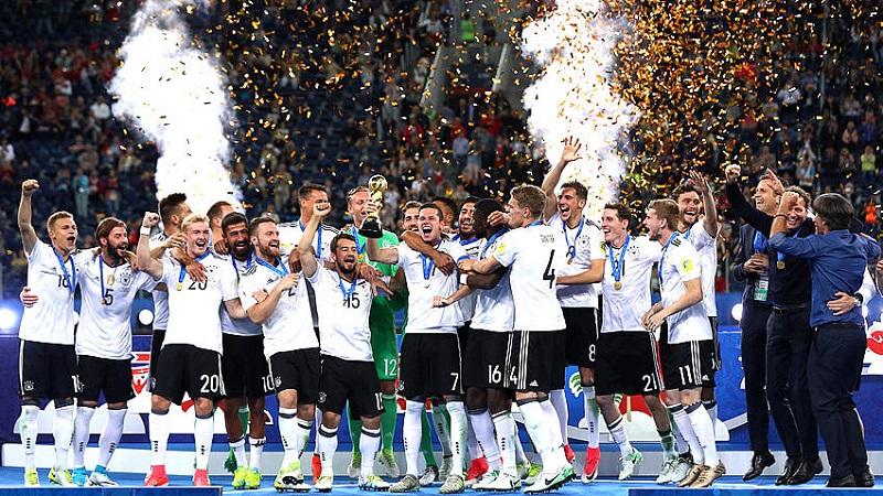 En la Mannschaft no existen equipos alternativos, todos juegan a lo mismo, con la misma contundencia y el equipo que llevó Joachim Löw a Rusia evolucionó poco a poco en el torneo