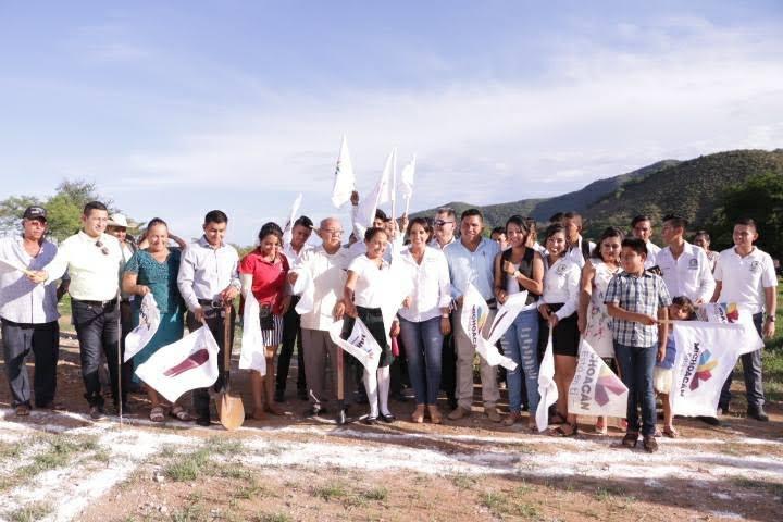 Gilberto Zarco reconoció que la suma de esfuerzos entre los diversos niveles de gobierno, es fundamental para lograr el desarrollo y bienestar de los huetamenses, eje central de la administración municipal