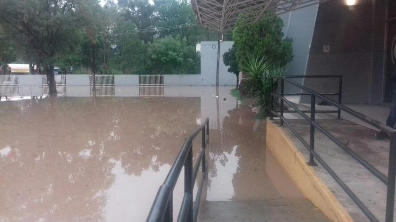 También se vieron afectadas por segunda semana consecutiva, las canchas de la Unidad Deportiva Cuauhtémoc