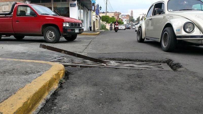 El hallazgo, en la Avenida Tata Vasco, a una cuadra de la gasolinera Poza Rica (FOTO: FRANCISCO ALBERTO SOTOMAYOR)