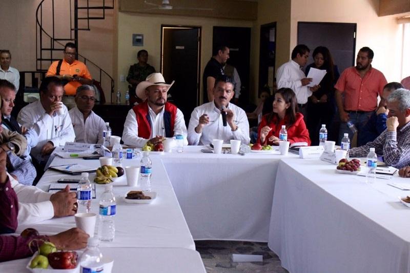Se pidió a la diputada Rosy Miranda, que no vote a favor de la reforma a la Ley de Desarrollo Forestal y Equilibrio Ecológico de Michoacán, propuesta la semana pasada por el diputado del PRI, Roberto Carlos López, en la que se pretende condicionar los operativos contra las huertas ilegales