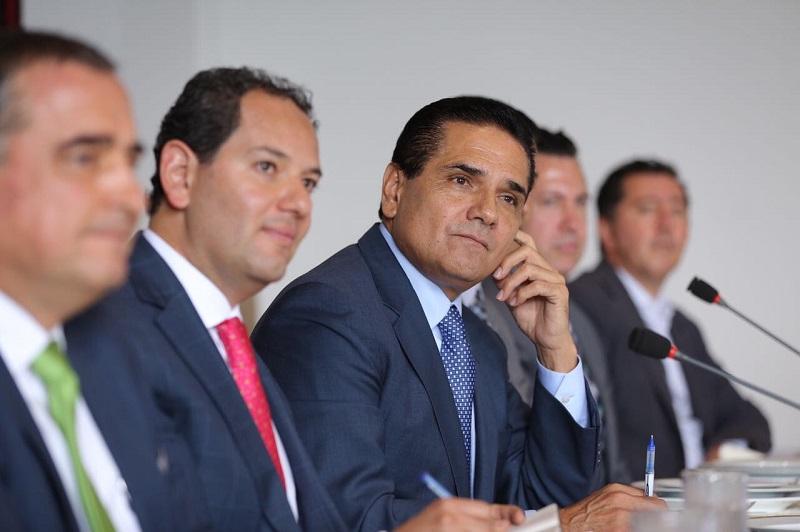 Acompañado del secretario de Desarrollo Económico, Jesús Melgoza Velázquez, el mandatario estatal dijo estar convencido de la importancia y necesidad de abrir espacios de participación con los diversos sectores sociales y productivos