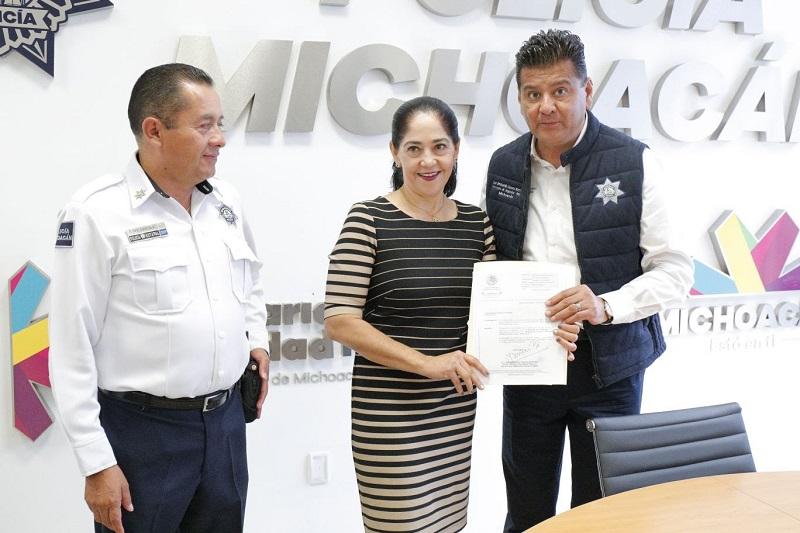 El encargado de despacho de la dirección de Tránsito y Movilidad del Estado, José Guadalupe Martín García, fue quien dio posesión como delegada de tránsito municipal a Marcedalia Reyes