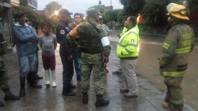En el lugar también apoyó personal de la SEDENA, así como una brigada de la CONAGUA, para monitorear el arroyo y realizar un reconocimiento en la zona donde hubo afectaciones mínimas