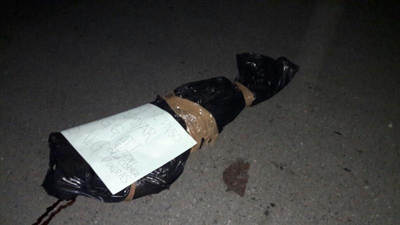 Se logró conocer que fue hasta las 13:00 horas de la tarde que los familiares acompañados del alcalde Arturo Gómez Pérez del municipio de Petatlán, se trasladaron a Zihuatanejo para realizar el reconocimiento del cadáver