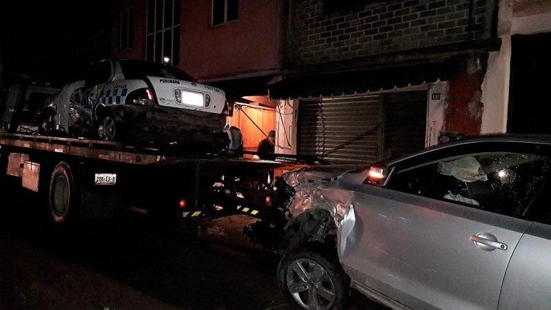Los vehículos fueron asegurados y trasladados al corralón, mientras se deslindan responsabilidades del culpable del accidente