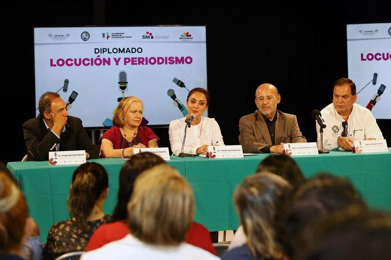 El diplomado se realizará en otros municipios para reforzar la labor de las y los comunicadores y periodistas michoacanos, destaca López Bautista
