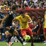 El argentino Emmanuel Loeschbor, en propia meta, adelantó a los tapatíos, al 47, mientras el chileno Diego Valdés puso el empate, al 71