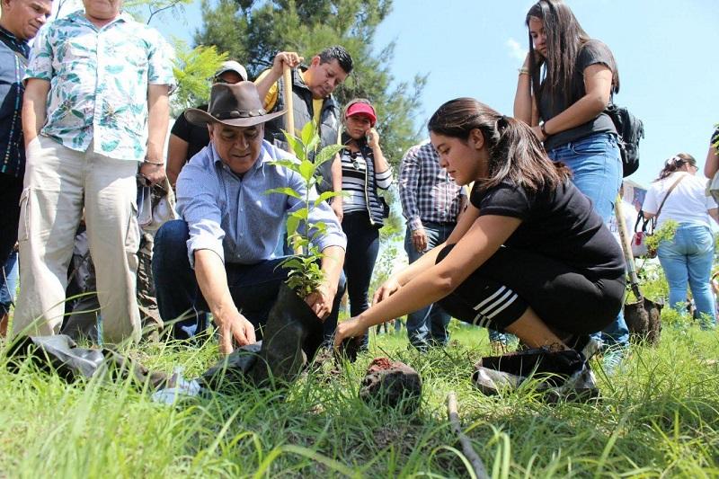 Sigala Páez destacó que manera desafortunada el apetito de destrucción, la voracidad, la necesidad y la indiferencia han llevado al estado a la crisis ambiental en la que se encuentra