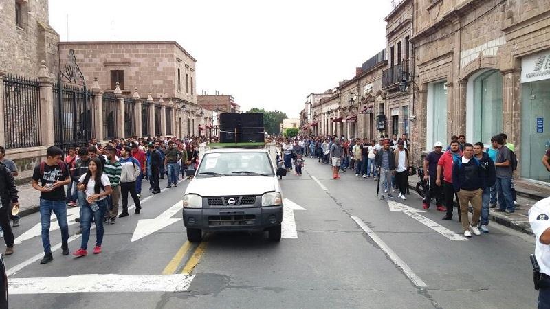 Los manifestantes anunciaron que esta semana seguirán tomando la Delegación del SAT y dependencias públicas como medida de presión para que se les cumplan sus exigencias