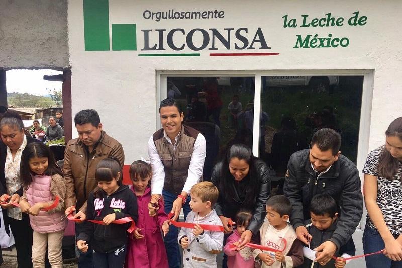 Inaugura Sergio Flores Luna lechería en Chincua