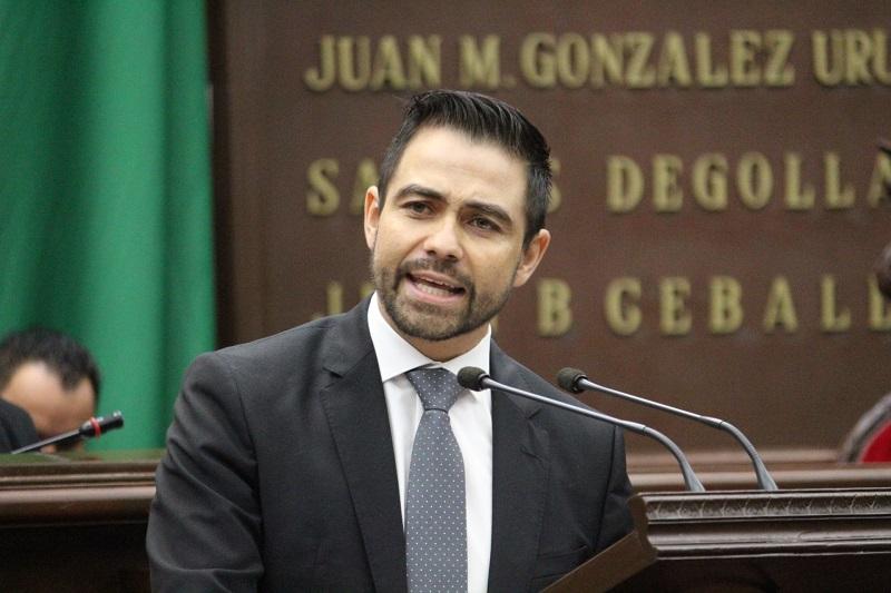 López Meléndez subrayó que el trabajo legislativo que se ha realizado hasta el momento, ha sido de pequeños grandes pasos encaminados a transformar de forma y fondo las necesidades que los michoacanos demandan