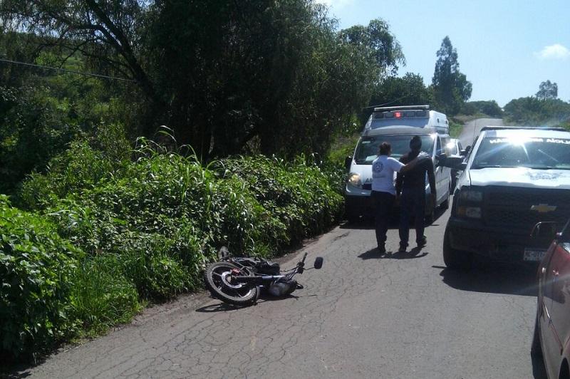 Personas que se percataron del accidente solicitaron el apoyo a la línea de emergencias, trasladándose unidades de la Policía Michoacán y protección Civil de Tarímbaro, confirmando los paramédicos que el menor ya había fallecido debido a un posible traumatismo craneoencefálico