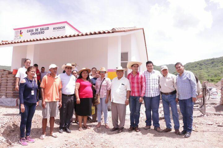 El edil recibió diversas solicitudes de la población, mismas que se comprometió a atender y resolver, con el objetivo de avanzar en la consolidación de políticas públicas que contribuyan al desarrollo y combate a la pobreza