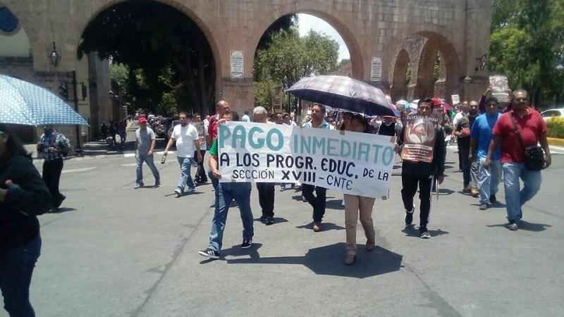 Inicialmente los manifestantes tenían previsto cerrar la Calzada Ventura Puente, pero después cambiaron su actividad a una marcha hacia Palacio de Gobierno (FOTO: MARIO REBOLLAR)