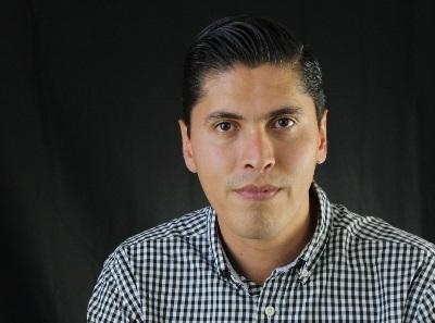 El autor, Javier Paredes Andrade, es licenciado en Ciencias Políticas y Administración Pública; en la actualidad se desempeña como coordinador estatal de Movimiento Ciudadano en Michoacán