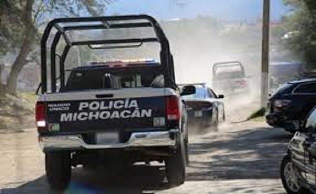 Los indiciados, armas, cargador, cartuchos y vehículo fueron puestos a disposición del Ministerio Público Federal en Zamora