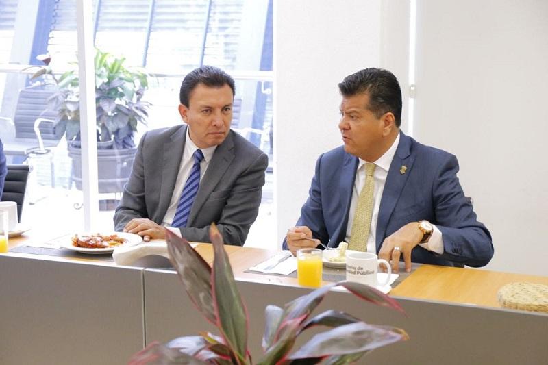 Durante el encuentro realizado en las instalaciones de la SSP, ambos funcionarios detallaron acciones de inteligencia y operatividad que realizadas de manera coordinada que permiten inhibir actos delincuenciales con apoyo de la tecnología